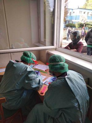 V handlovskej nemocnici vykonávajú tisícky testov na koronavírus za mesiac