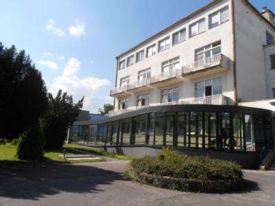 Senior centrum Nemocnice AGEL Handlová  má voľné miesta. Jeho výhodou je bezprostredná prítomnosť nemocnice